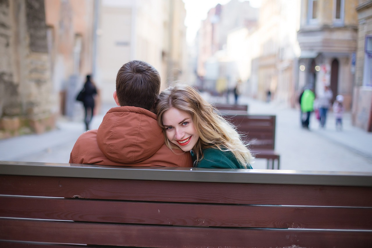 3 ways to flirt like crazy even if you are shy